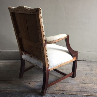 Pretty Little Chair